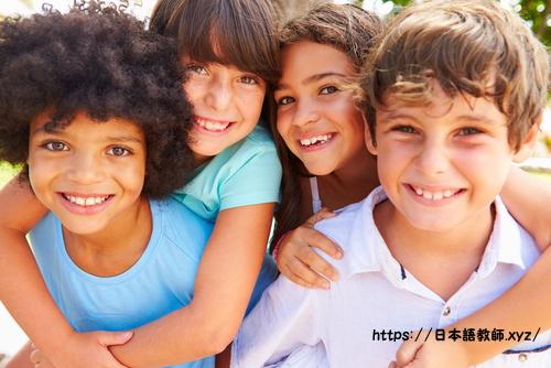 外国人の子どもに日本語を教えるボランティア